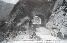 Picture : Crossing of a tunnel